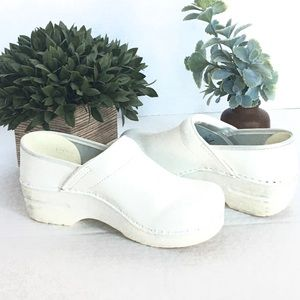 Dansko White Professional Clogs Women Size 6.5 - 7